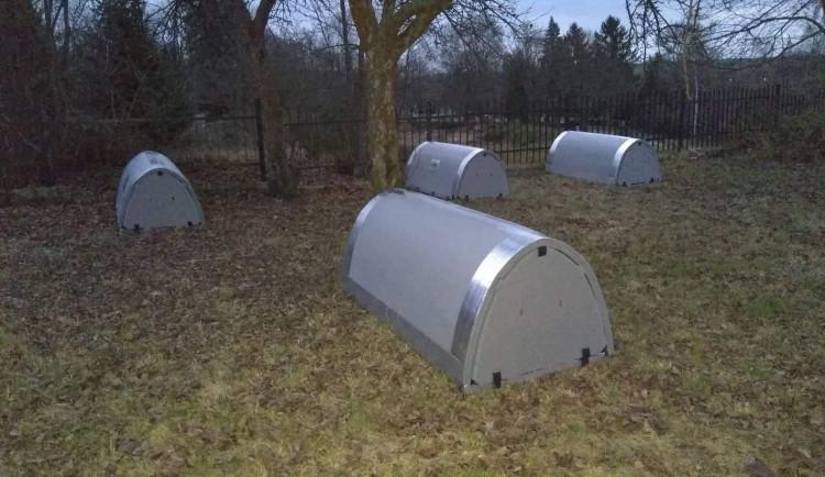 Bezdomovci v Jihlavě mohou přespat ve speciálním iglú. Jedno z nich je i pro dvojici