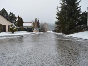 V noci a v sobotu pozor na ledovku! Výstraha meteorologů se týká i části Vysočiny