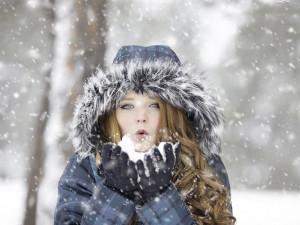 POČASÍ NA PONDĚLÍ: Může slabě sněžit. Teploměr ukáže až plus tři stupně