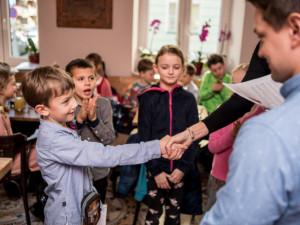 Děti v Jihlavě si o dva dny prodlouží prázdniny. Shodli se na tom ředitelé všech škol