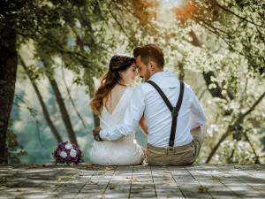 "22.2.2020. Toto ""dvojkové"" datum si pro svatbu v Jihlavě vybraly dva páry"