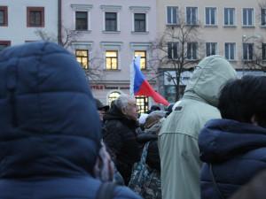 FOTO, VIDEO: Stovky lidí přišly na Masarykovo náměstí. Řeč byla o uprchlících i kůrovci