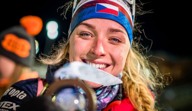 Bez diváků, ale s medailí. Biatlonistka Markéta Davidová vybojovala v Novém Městě bronz ve sprintu