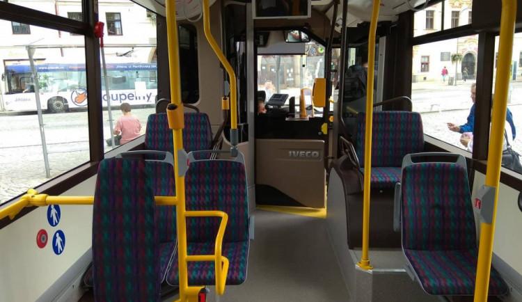 Jihlavská MHD i regionální autobusy pojedou v letním režimu. Dopravní podnik zintenzivnil čištění vozidel