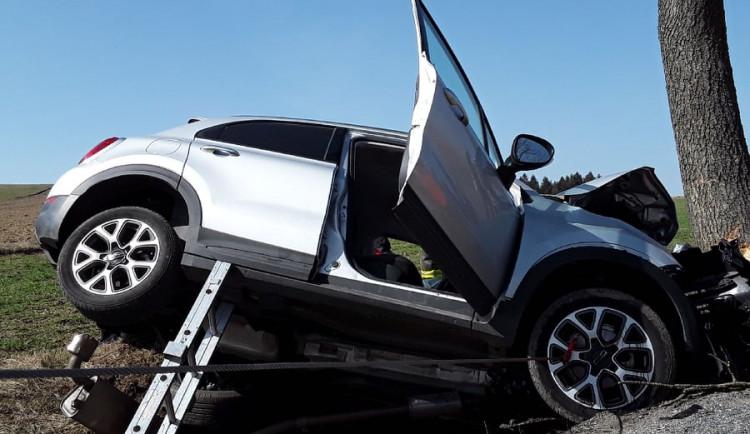 U Rokytna došlo k vážné nehodě. Řidič byl transportován do brněnské nemocnice