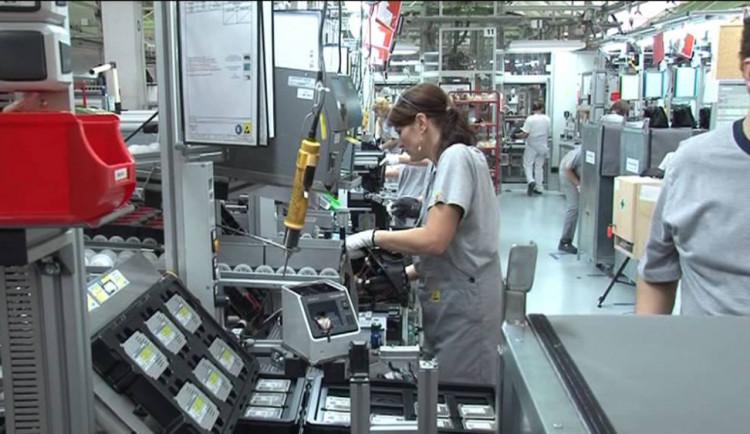 V Automotive Lightingu už druhý týden stojí výroba. Firma čeká na vývoj situace u automobilek
