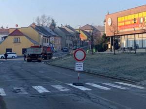 Oprava průtahu Třeští začala. Na řidiče čekají objízdné trasy