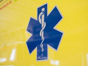 Provoz na 123. kilometru dálnice dnes odpoledne zastavila nehoda, jeden člověk se zranil
