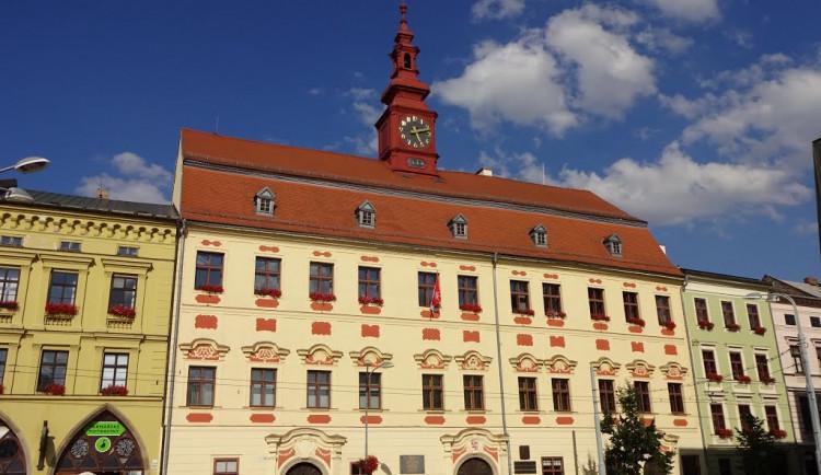 Bývalý náměstek P. Laštovička v rozhovoru zkritizoval vedení města, to se důrazně ohradilo
