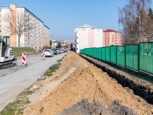 V Jihlavě se opravují chodníky, dočkají se obyvatelé Březinek a Na Slunci