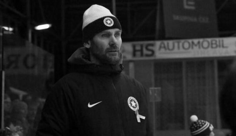 Smutná zpráva z hokejové Třebíče. Ve 47 letech zemřel hlavní trenér a manažer Radek Novák