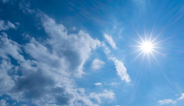 POČASÍ NA PONDĚLÍ: Méně deště, více sluníčka. Teplota až ke dvaceti stupňům