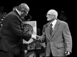 V 96 letech zemřel lékař Miloš Chmelíček, držitel Nejvyššího ocenění Kraje Vysočina