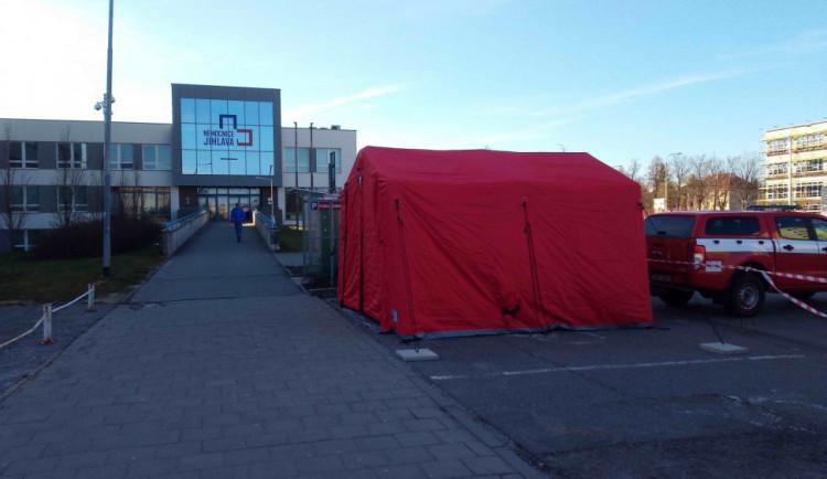 Od pondělí se otevírají všechny vchody do nemocnice, bude znovu propojena s Domem zdraví