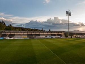 Od pondělí bude na fotbalových zápasech povoleno 2500 lidí