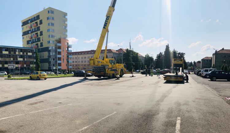 Z parkoviště u jihlavské nemocnice zmizelo odběrové místo na covid-19. Přesunulo se jinam