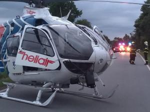 U ranní nehody osobáku s náklaďákem musel zasahovat i záchranářský vrtulník