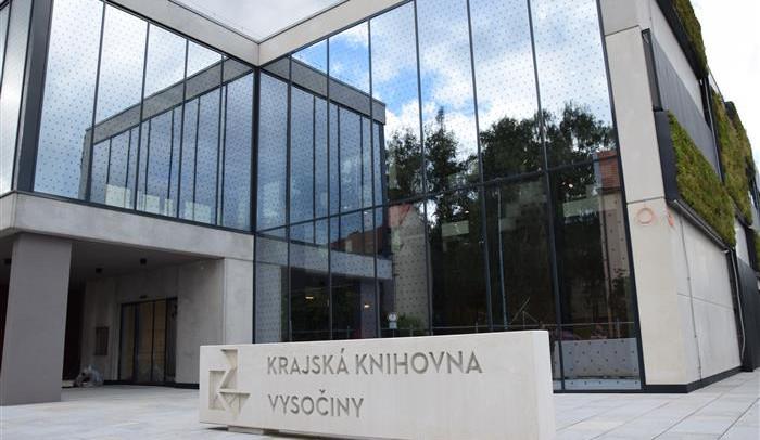 FOTO: Krajská knihovna v Brodě se rýsuje. První čtenáře přivítá už na podzim