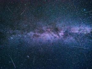 Připravte foťáky a v noci vyrazte na Perseidy. Čeká nás vrchol nebeské podívané