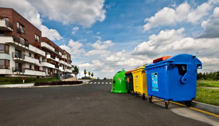 Češi třídí jako o život. V čem nejčastěji chybují a co hází do špatného kontejneru?