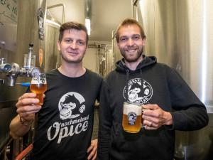 Náš název je velká přednost, říká sládek pivovaru Nachmelená opice Michal Kuřec