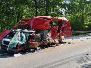 AKTUÁLNĚ: Silnice I/38 je neprůjezdná kvůli tragické nehodě u Rančířova. Řidič dodávky podlehl svým zraněním