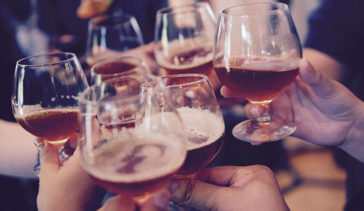 Zavření v deset hodin večer připraví bar v Jihlavě o hlavní dobu s tržbami