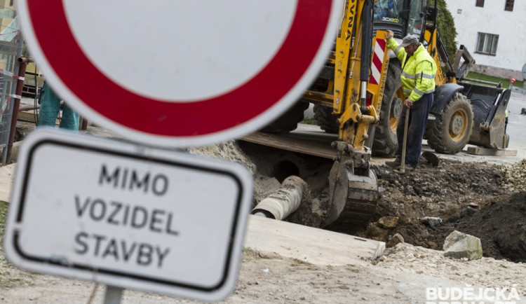 Řidiči, pozor na další omezení. V Jihlavě začne stavba sjezdu z dálničního přivaděče