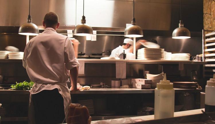 Hoteliéři z Vysočiny: Zavření restaurací nás zaskočilo. Výdejové okénko každý nevyužije