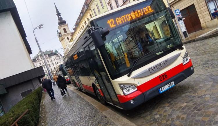 Jihlavský dopravní podnik musí redukovat spoje. Opatření ušetří práci šesti řidičů