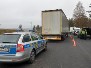 FOTO, VIDEO: Kontroly na D1, kvůli neoprávněnému vstupu bylo zajištěno 7 Srbů