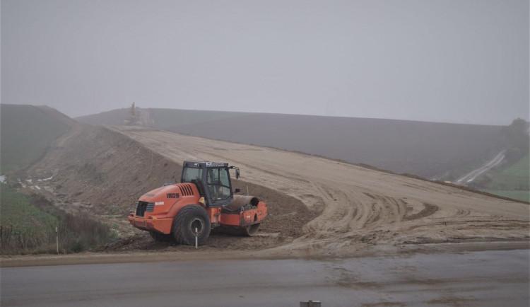 Stavba obchvatu Osové Bítýšky bude za měsíc zazimována. Pokračovat se bude na jaře