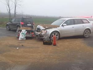 FOTO: Po osmé hodině ráno se srazila dvě osobní auta. Naštěstí se nikdo nezranil