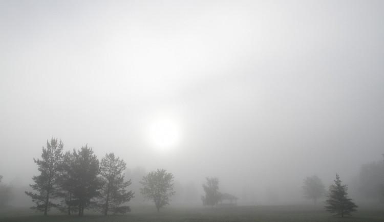 POČASÍ NA ÚTERÝ: Ráno mlhy, později se rozjasní. Teploty do pěti stupňů