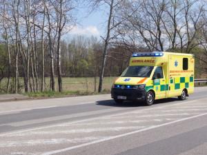 Osmašedesátiletá řidička srazila ženu, která přecházela po vyznačeném přechodu