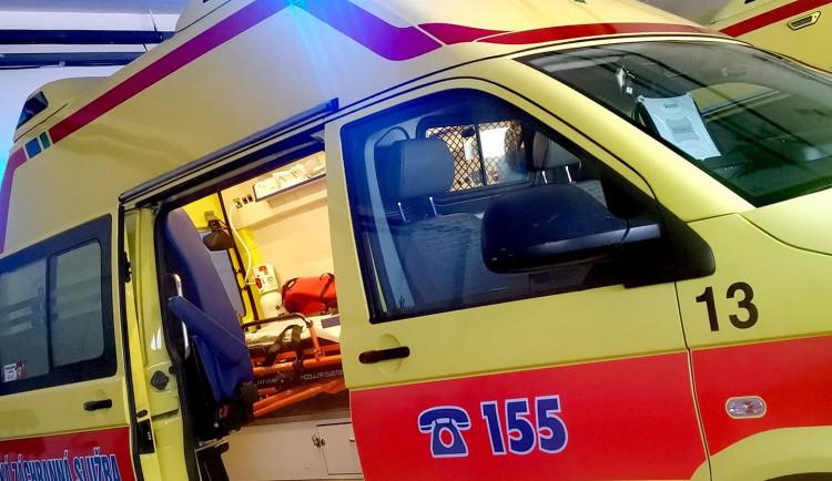 Ranní střet dodávky s osobním autem si vyžádal jedno zranění