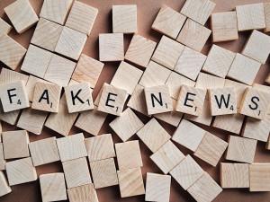 Češi vyvinuli software na odhalování fake news. Zájem o něj registrují z řady zemí