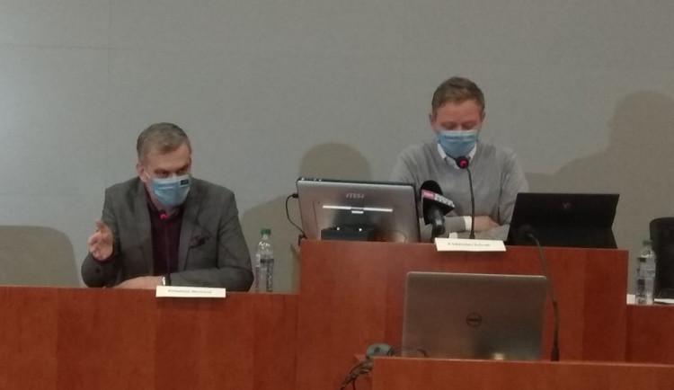 Vysočina chce očkovací centrum přinejmenším v Jihlavě. Pomáhat by mohli i soukromí lékaři
