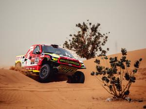 Náročnou etapu na Dakaru zvládl Martin Prokop dobře, posunul se na pátou příčku