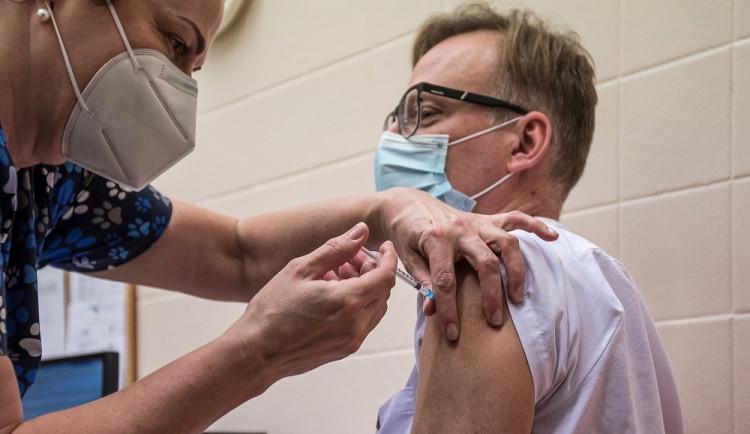 Hejtman Vítězslav Schrek: Zájem o pomoc při očkování je velký z měst i od lékařů