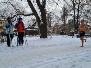 Půlmaraton naboso a ve sněhu. Josef Šálek dnes v Pelhřimově překonal světový rekord