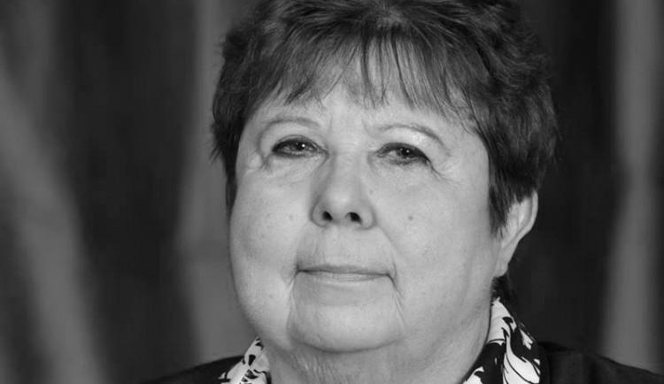 Smutná zpráva pro Jihlavu. Zemřela bývalá ředitelka ZŠ Seifertova Stanislava Prokešová