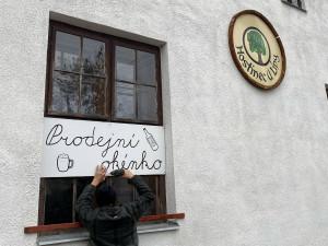 Provozovatel hostince ve Zborné dnes otevřel. Krčma U Piráta nakonec zůstala zavřená