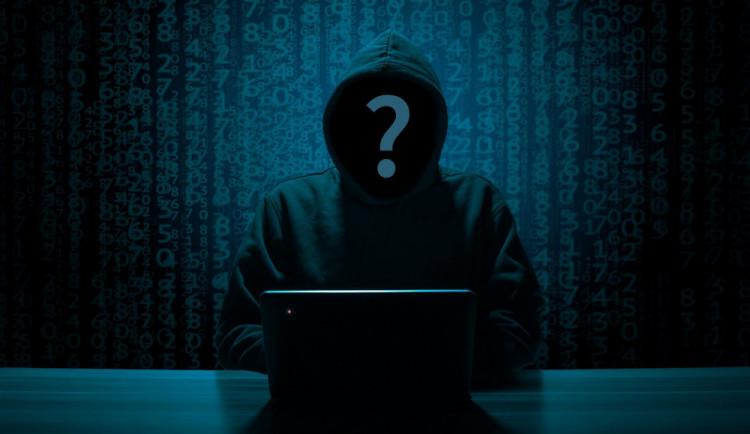 Pozor na útoky hackerů, zneužívají pandemii koronaviru a napadají firmy i jednotlivce