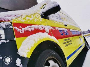 Osmnáctiletá řidička v Jihlavě na přechodu srazila chodkyni, ta skončila v péči lékařů