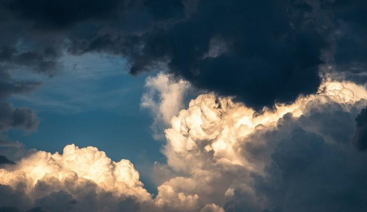 POČASÍ NA NEDĚLI: Většinou zataženo, během dne se může vyjasňovat. Teploty do 5 stupňů