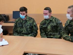 Armáda přijede pomáhat do havlíčkobrodské nemocnice. Pelhřimovská zřejmě požádá hasiče