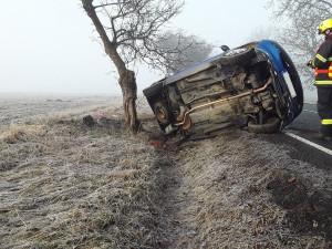 U Kožlí došlo k nehodě. V osobním autě se zranila žena s dítětem, skončili v nemocnici