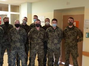 Covid pacientů přibývá. V nemocnicích na Vysočině ode dneška pomáhají vojáci a hasiči