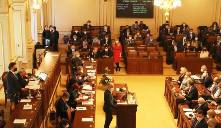 Vláda schválila nový nouzový stav, platit bude od soboty do 28. března
